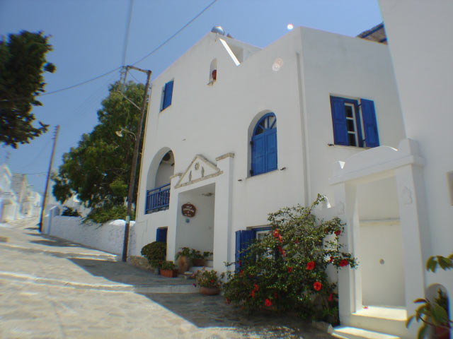 AMORGAIA ROOMS IN  KATAPOLA